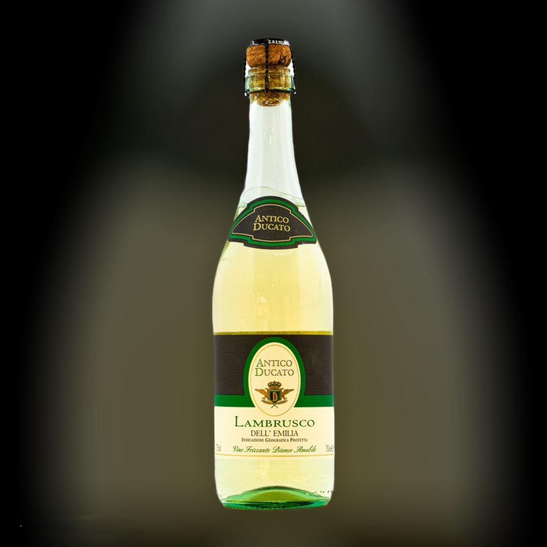 Sparkling Antico Ducato Lambrusco dell 'Emilia Bianco sweet 7.5% Italy 0,75